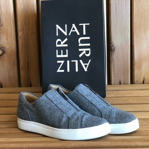LIKE NEW Naturalizer Grey Flannel Cyan Sneaker 12
